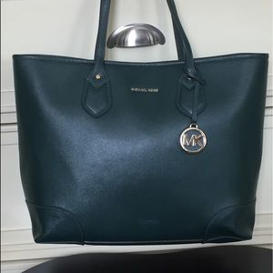 XL Michael Kors bag